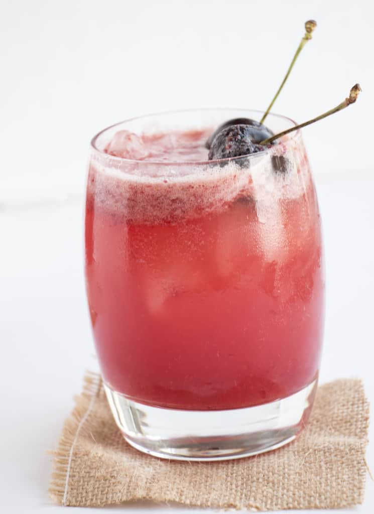 Healthy cocktail recipe. Sugar free and cancer fighting. Perfect cocktail for a summers day.