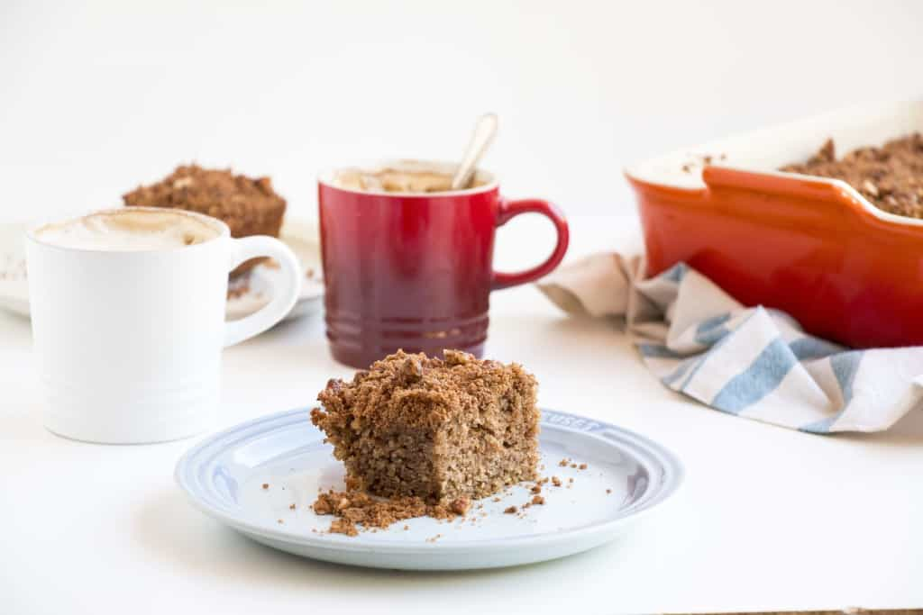 Cinnamon Almond Cake - A delicious and healthy almond cake with warm cinnamon flavours