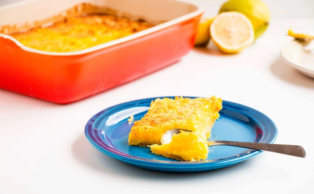 The Most Delicious Lemon Bars - The perfect dessert recipe for spring, it is packed with tons of lemon and is incredibly easy to make and oh so delicious.