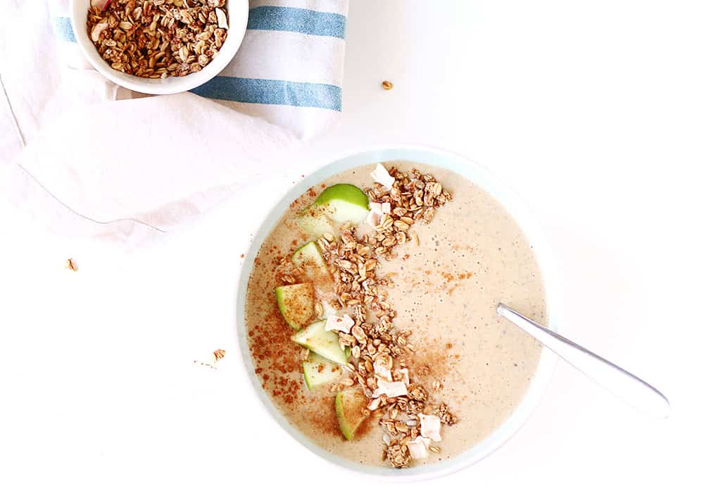 Apple Pie Smoothie Bowl